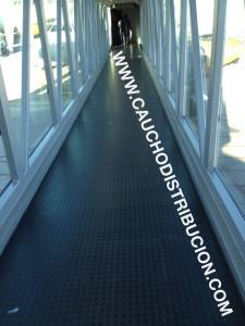 pavimento pasarela acceso pasajeros
